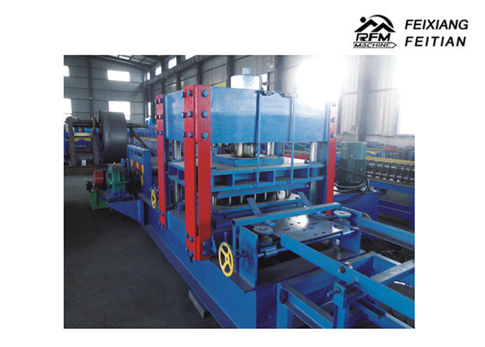 Crash Barrier Roll Forming Machine , Metal Roofing Roll Former With Auto Stacker